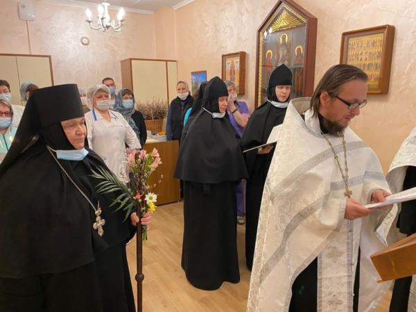 В Железнодорожной больнице города Кирова освящена молельная комната